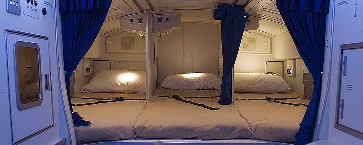 ¿Dónde duermen los TCP's en el avión?