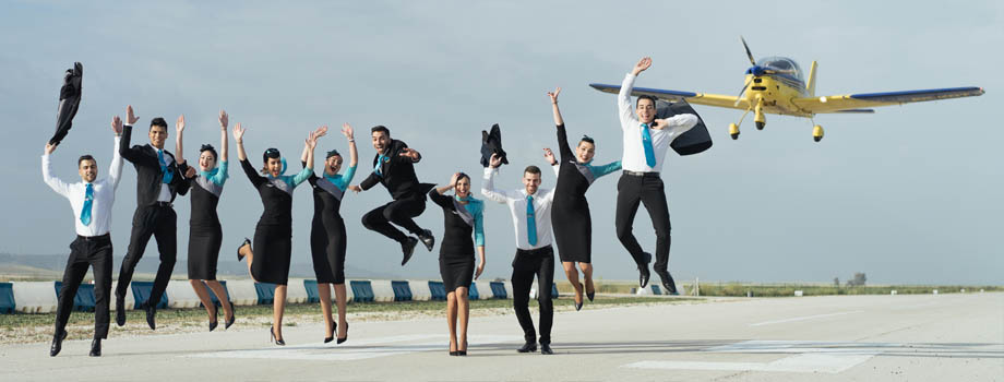 ¿Qué requisitos se necesitan para ser azafata de vuelo?