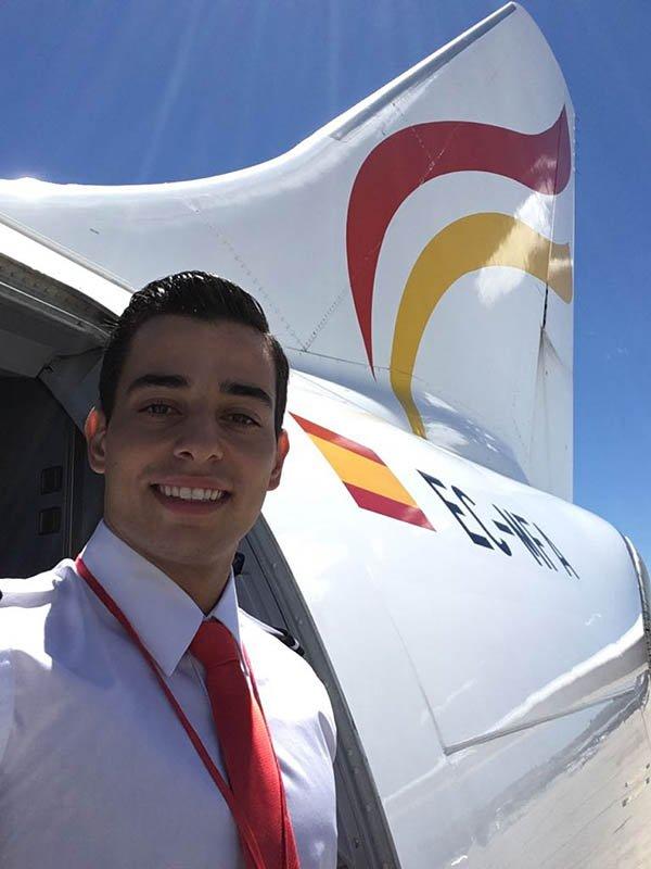 José Raposo: Tripulante de Cabina de Pasajeros