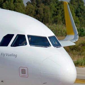 morro de un avión de Vueling