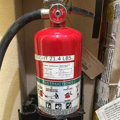 Incendios | Material de emergencia de un avión